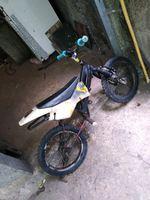 Vendo bicicleta com estrofe de mota e com suspensã foto 1