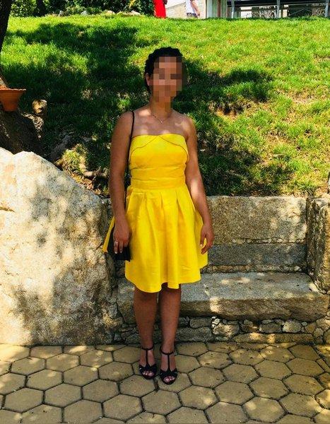 Vestido AmareloTamanho usado 1 vez foto 1