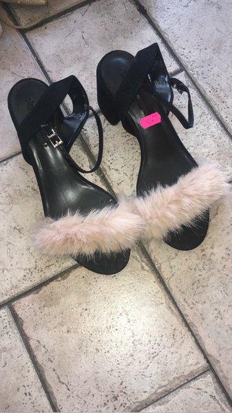 Sapatos Zara com pelo foto 1
