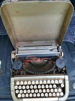 Duas máquinas escrever a mão foto 1