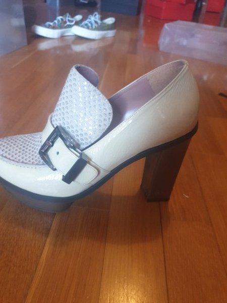 Sapato Ana sousa beje usado, tamanho 37 foto 1