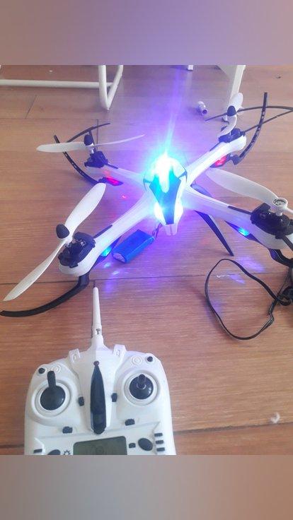vendo ou troco Drone tarantula contato: 961475010 foto 1