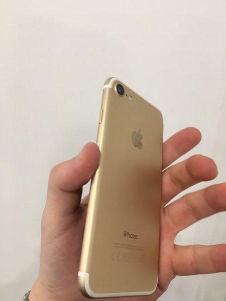 iPhone 7 32GB Gold com garantia foto 1