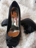 Sapatos de salto alto foto 1