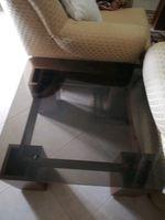 Conjunto de duas mesas em Madeira maciça e vidro foto 1
