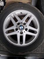 Vendo jantes 15originais BMW com pneus foto 1
