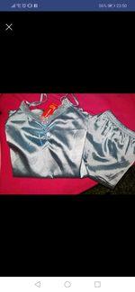 Pijama novo ainda com etiqueta foto 1