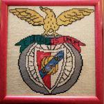 Quadro feito em lã com o símbolo do Benfica foto 1