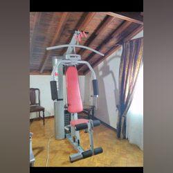 Máquina de musculação foto 1
