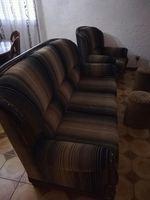 Conjunto de sofás e mesinha foto 1