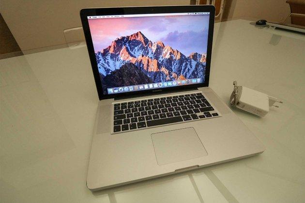 MacBook Pro 15' i7 | SDD | 140ciclos por iPhone X foto 1