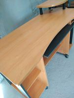 Mesa secretária em bom estado em laminado foto 1