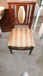 Cadeira vintage em boas condições foto 1