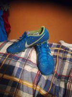 Vendo chuteiras da Nike número 40 pouco usadas foto 1