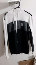 Adidas jacket Tamanho: L foto 1