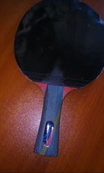Raquete de tênis de mesa em bom estado foto 1