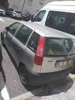 Vendo Fiat Punto de 96 para peças preço negociável foto 1