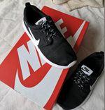 Ténis NikeTamanho 37 foto 1
