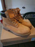 Vendo botas Timberland 41.5 como novas. Originais foto 1