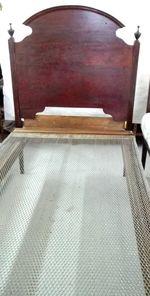 Cama de Solteiro Em Madeira Vinhático foto 1