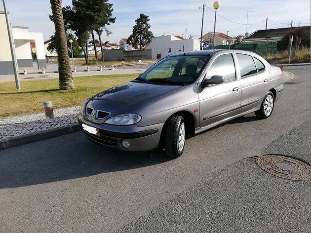Renault Megane Sedan GPL foto 1