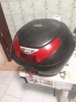 Top case e capacete foto 1