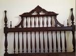Cama de casal Antiga ,toda em madeira maciça foto 1