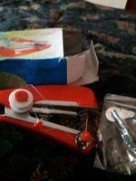 2 máquinas costuras portateis foto 1
