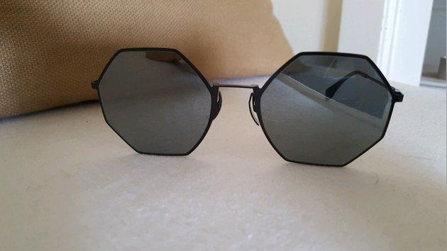 Vendo Óculos de Sol Fendi Originais foto 1