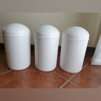 3 Baldes do Lixo para casa de banho NOVOS 4€/Cada foto 1
