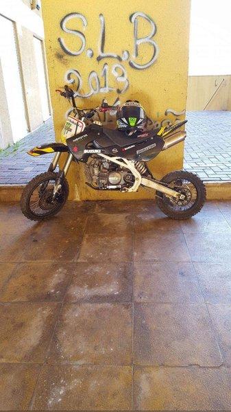 Vendo Mota pitt bike 160cc ou troco foto 1