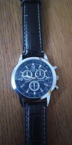 Vende-se relógio. foto 1
