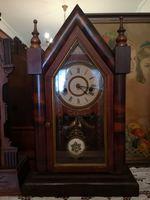 Relógio antigo de capela foto 1