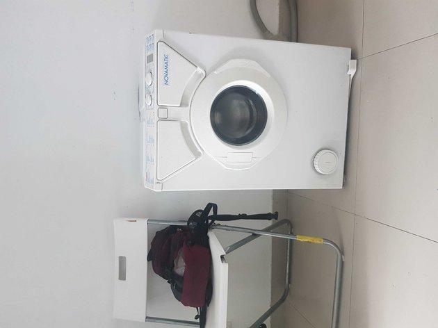 Máquina de lavar roupa pequena e resistente foto 1