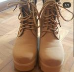 Botas altas com tacão N°36 (largo) foto 1