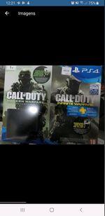 PS4 com 2 comandos e jogos foto 1